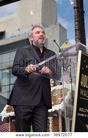 LOS ANGELES - NOV 8:  Sam Mendes at the Hollywood Walk of Fame Star Ceremony for Javier Bardem at El Capitan Theater on November 8, 2012 in Los Angeles, CA