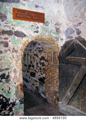 Saída de escravo no Castelo de Elmina, em Gana