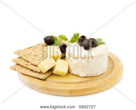 Cheddar und Brie Käse mit Cracker