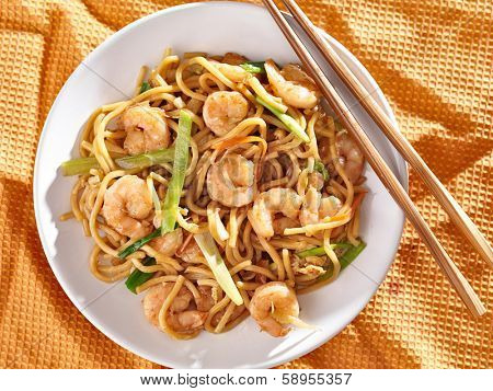 chinese shrimp lo mein overhead shot