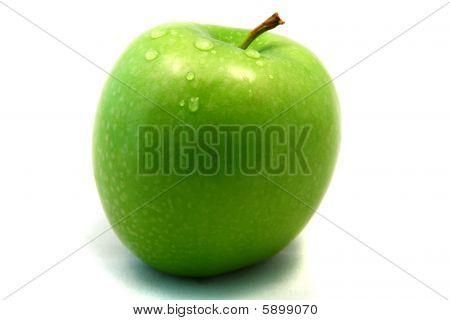 grüner Apfel mit waterdrops