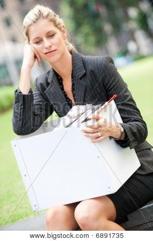 Arbeitslose geschäftsfrau