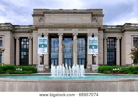 ST. LOUIS, MISSOURI - MAY 20, 2013: Missouri History Museum. The Jefferson Memorial Building, built in 1913 with profits from the Louisiana Purchase Exposition, is the home of the museum.