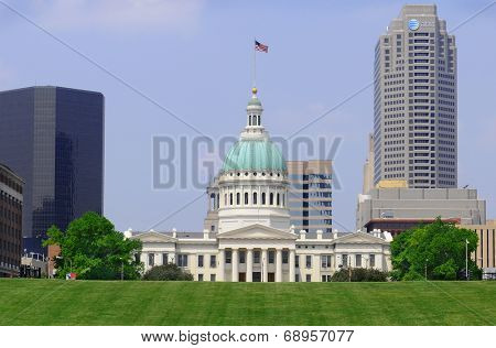 ST. LOUIS - MAY 19, 2013: The Old Courthouse seen from the Jefferson National Expansion Memorial near the Gateway Arch.The Old Courthouse site of the Dred Scott Decision was built in 1864.
