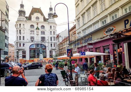 VIENNA, AUSTRIA-July 3 : Tourists on foot Graben Street in Vienna on July 3, 2014.Vienna is Austria's primary city, with a population of about 1.757 million.