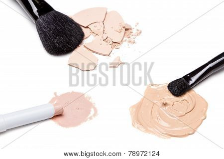 Concealer, Foundation And Powder With Brushes
