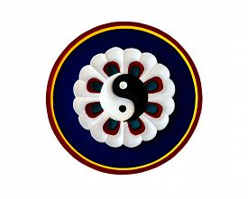 picture of taoism  - Yin Yang symbol of Taoism in Chinese temple  - JPG