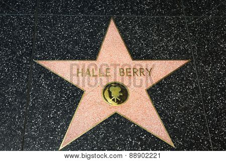 Hale Berry Star On The Hollywood Walk Of Fame