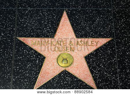 Marty Kate And Ashley Olson Star On The Hollywood Walk Of Fame