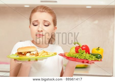 Young woman choosing lunch