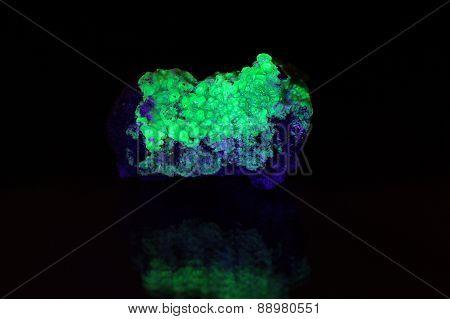 Fluorescent Tantalite Minerals