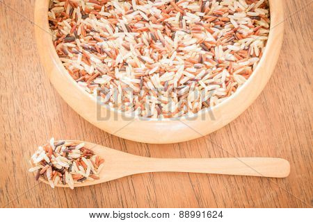 Multi Whole Grain Of Organic Jusmine Rice