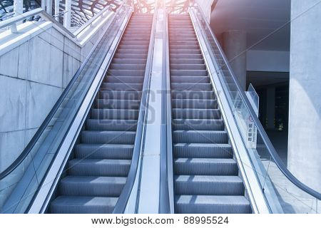 escalator with blue tone