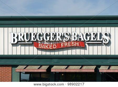 Bruegger's Bagels Sign And Logo