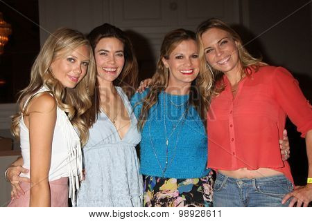 LOS ANGELES - AUG 15:  Melissa Ordway, Amelia Heinle, Melissa Claire Egan, Kelly Sullivan at the