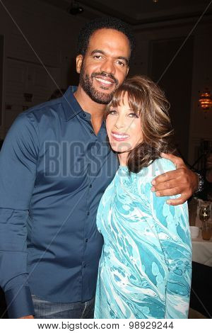 LOS ANGELES - AUG 15:  Kristoff St. John, Kate Linder at the