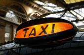 pic of hackney  - Taxi light on a traditional black cab - JPG