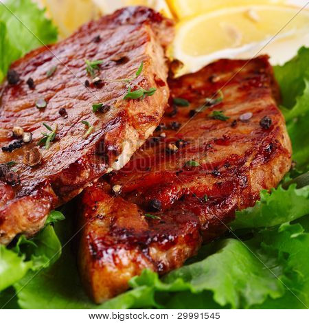 Carne de bife grelhado