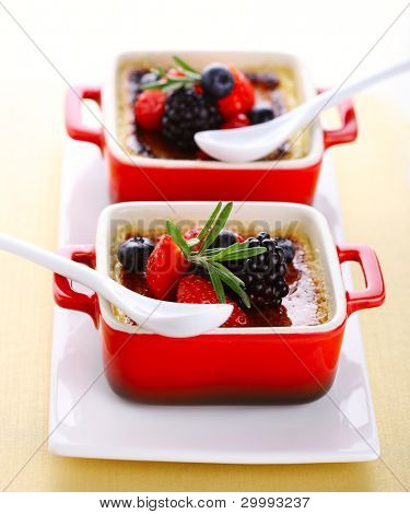 Creme brulee with fresh berries (blackberry, strawberry, blueberry)