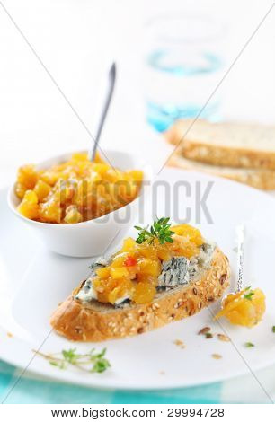 sandwich with blue cheese and mango chutney