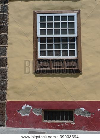 house window at la laguna