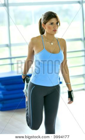 Gym Woman - Stretch