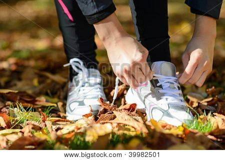 Tying Laces For Running