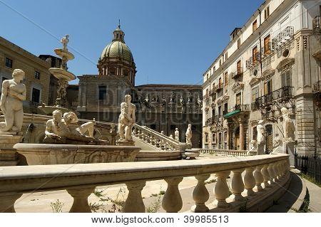 Fontana Pretoria In Palermo, Sicily