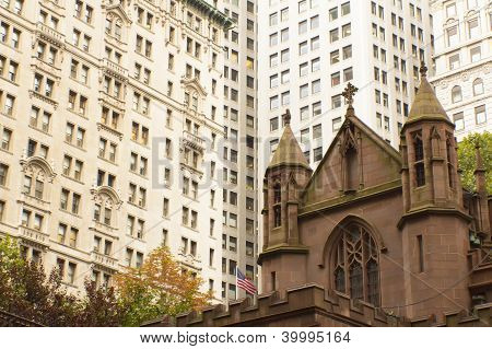 Trinity Church In The New York City (usa)