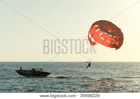 Parasail paraquedas vermelho