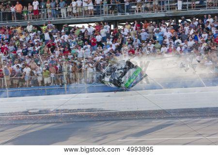 Carl Edwards Crash Nascar Sprint Cup Series Aarons 499 26 de abr
