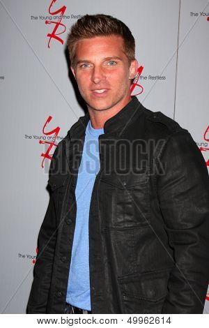 LOS ANGELES - AUG 24:  Steve Burton at the Young & Restless Fan Club Dinner at the Universal Sheraton Hotel on August 24, 2013 in Los Angeles, CA