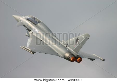 Raf Typhoon (eurofighter}