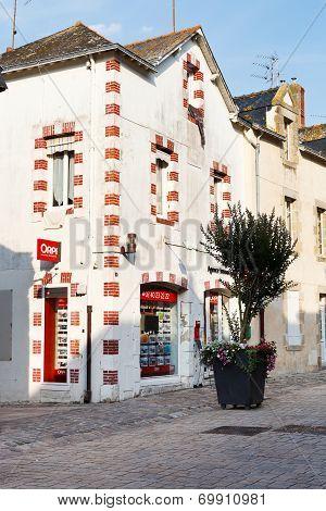 Street Rue De Salorges In Le Croisic Town, France