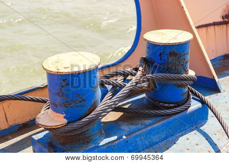 Mooring Bollard With Wire Ropes