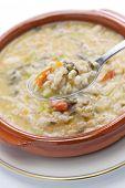 image of dutch oven  - spelt soup - JPG
