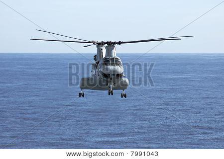 Helicóptero CH-46E Marine Corps
