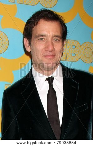 LOS ANGELES - JAN 11:  Clive Owen at the HBO Post Golden Globe Party at a Circa 55, Beverly Hilton Hotel on January 11, 2015 in Beverly Hills, CA