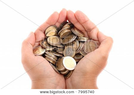 Schalenförmige Hands holding Euro-Münzen isoliert auf weiss
