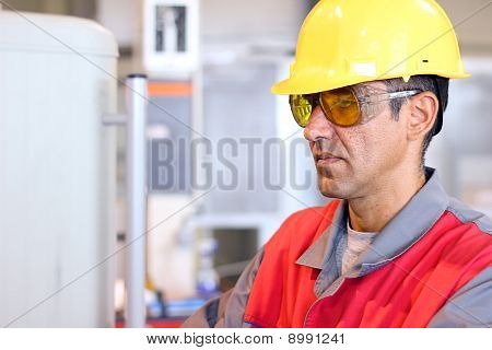 Worker In Uniform - Protecitve Workwear