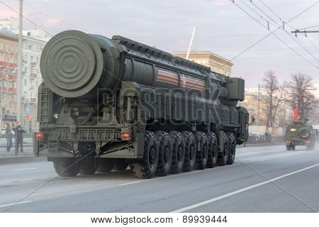 Moscow - May 4, 2015: Military Vehicles On Leningradsky Prospekt In Rehearsal For The Victory Day Pa
