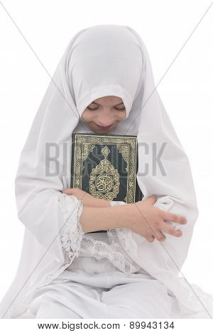 Pretty Muslim Girl Loves Holy Book Of Quran