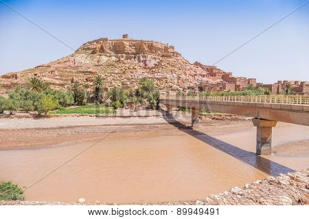 Ait Benhaddou, Morocco: bridge over the river