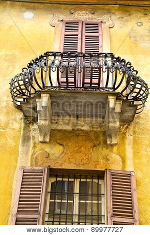 Yellow Terrace Europe  Italy      In  The Milano Old