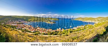 Town Of Vis Bay Panorama