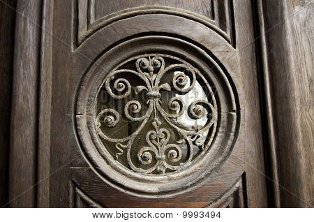 Round Design On Door