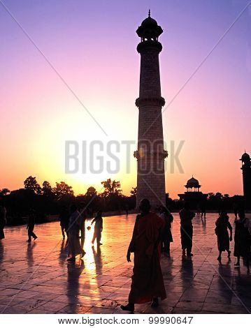 Taj Mahal Minaret, Agra.