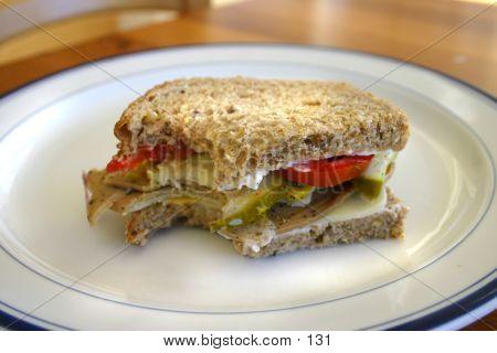 用咬的三明治